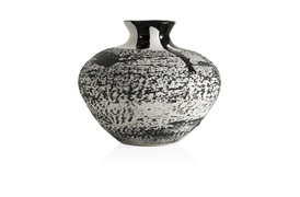 Exclusive  Magma Small Vase (Black)