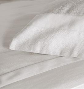 Tempace Jacquard Super King Duvet Set with Standard Pillowcases White