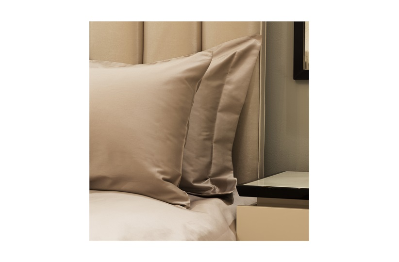 300tc Plain Super King Set with Standard pillowcases Prisma