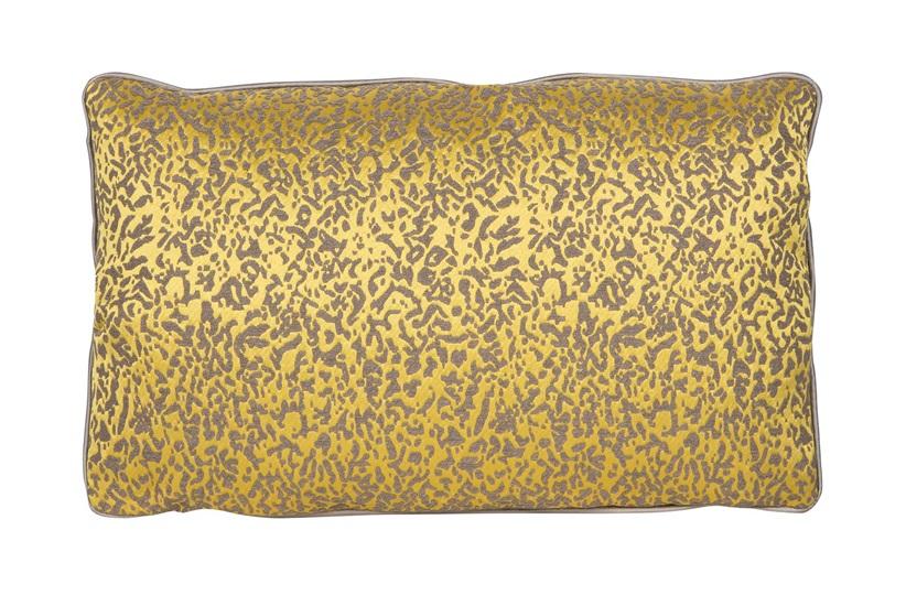 Azalea Cushion