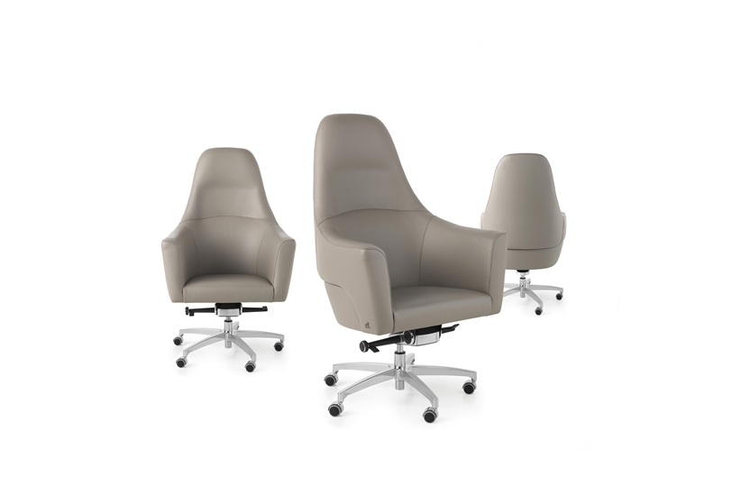 Magnum Swivel Chair By Smania