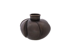 Bella Vase          By Eichholtz