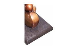La Forma sculpture