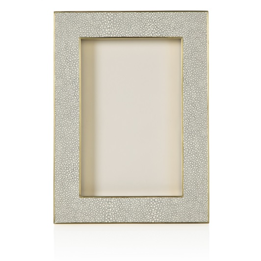 Classic Frame 4 x 6 Dove