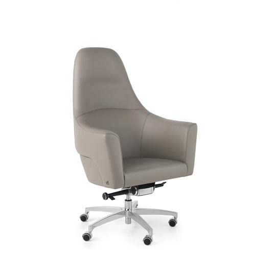 Magnum Swivel Chair